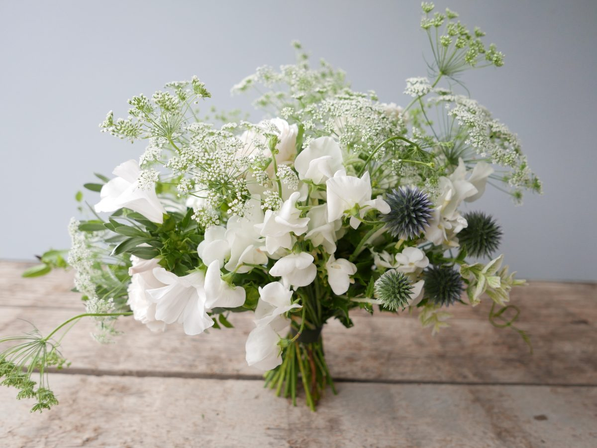 brides bouquet wildflowers whites sweetpea thistles ammi cowsparsley