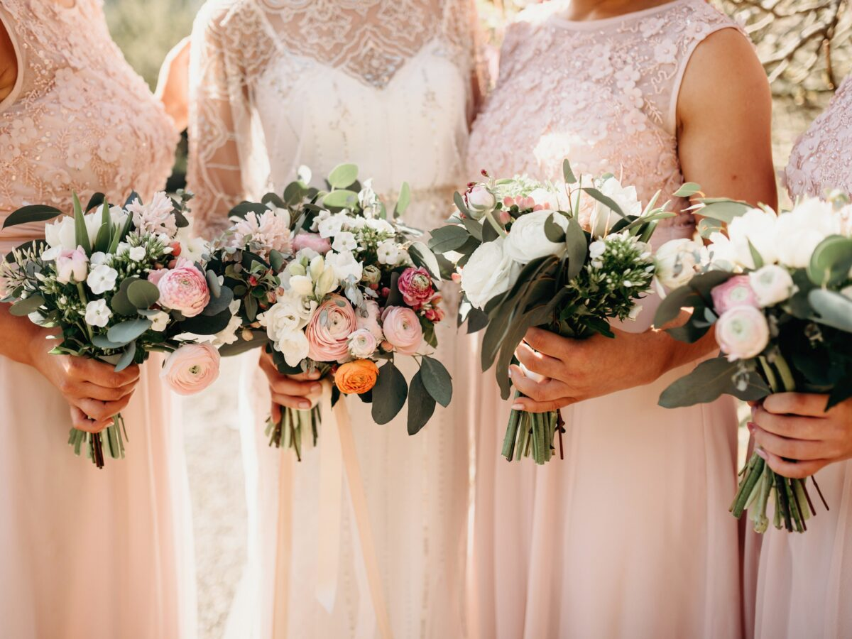 Horetown House spring wedding flowers pink blush eucalyptus pastel