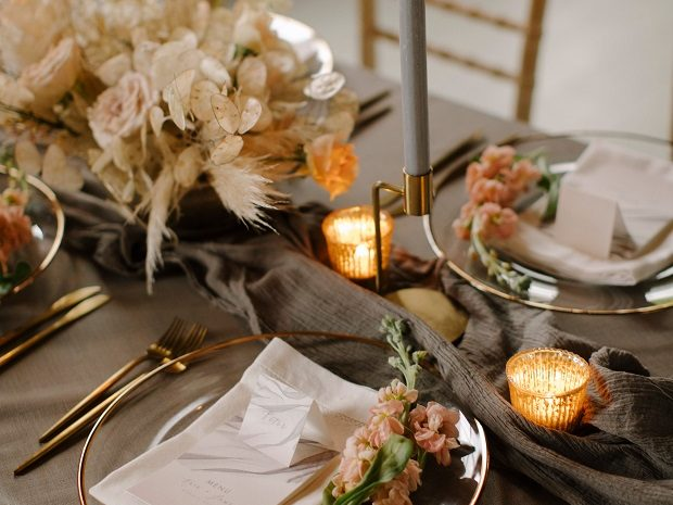 tablescape honesty pampas
